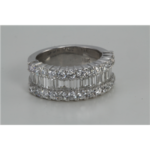 18k White Gold & BAGUETTE Invisible Setting Classic half eternity diamond ring with edges(2.91 Ct, G, VS)