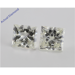 A Pair of Princess Cut Loose Diamonds (4.01 Ct, L ,SI2)