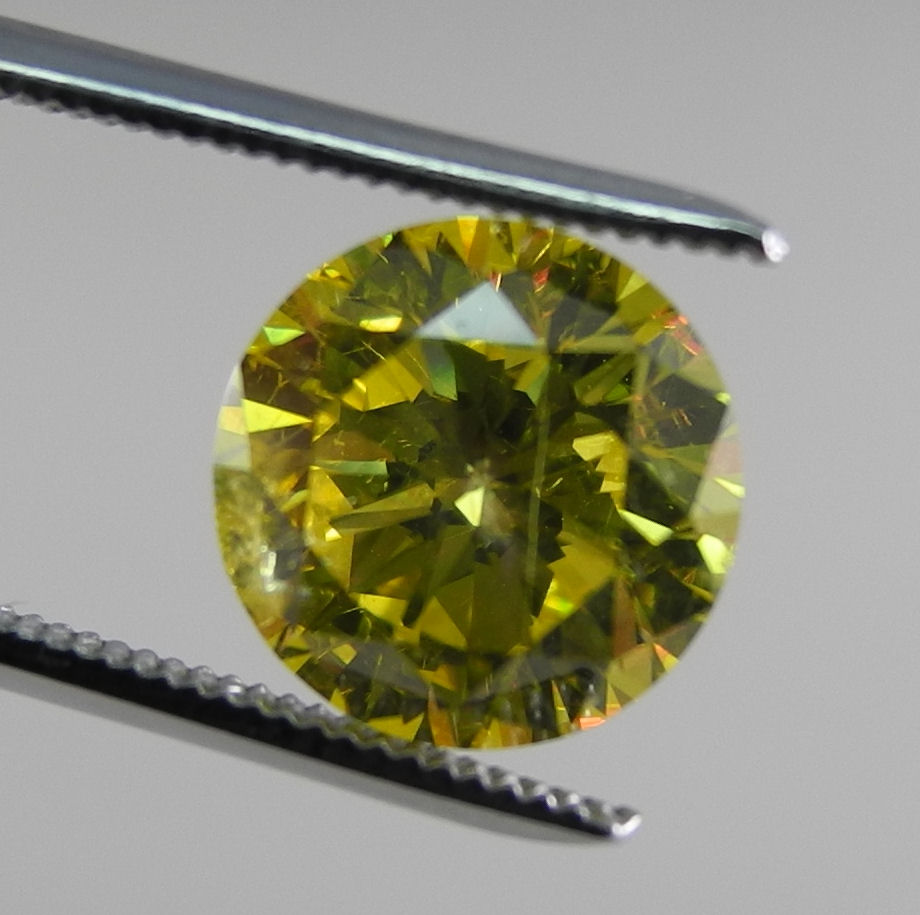 how to tell a real diamond with a loupe