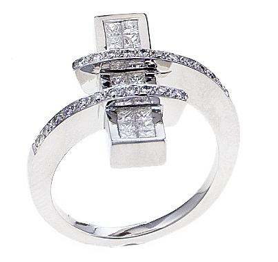 18k White Gold Spiral Fashion Engagement Ring with Pave Invisable