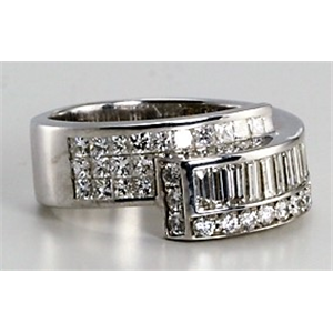 18k White Gold Princess cut invisible set and baguette diamond crossover eternity ring (2.19 Ct G & G ,VS)