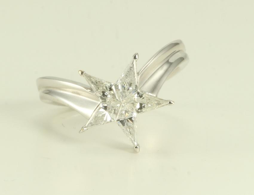 18k White Gold Kite cut diamond invisible ser star shape ...