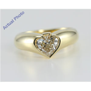 18k Yellow Gold Spade Cut Bezel Solitaire Diamond Engagement Ring (0.8 Ct, J Color, VS1 Clarity)