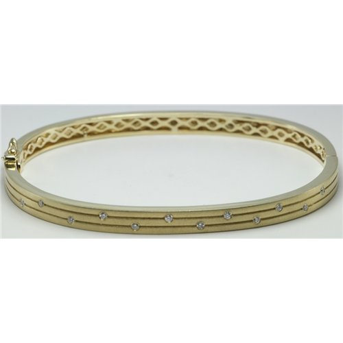 14k Yellow Gold Round Bezel Elliptical plain hinged bracelet with diamond elements(0.12ct, H, SI2-SI3)