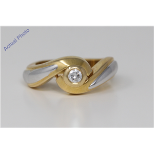 18k Two Tone Gold Round Bezel Setting Classic modern swirl two tone diamond engagement ring (0.15 Ct, H, VS)